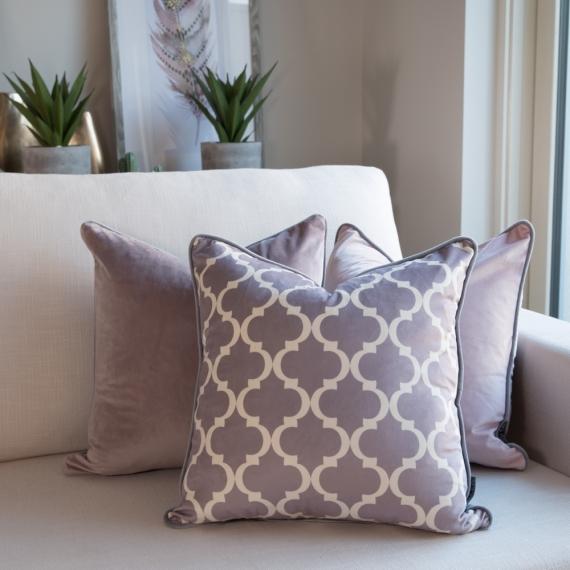 Trellis Velvet-Vintage Pink Cushion